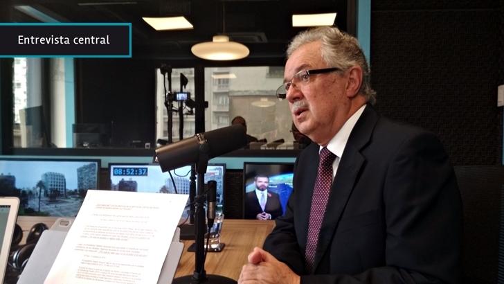 Ministro de Defensa, Jorge Menéndez: La sanción al comandante en jefe Manini Ríos no fue «un castigo» sino que tuvo «carácter reeducador»