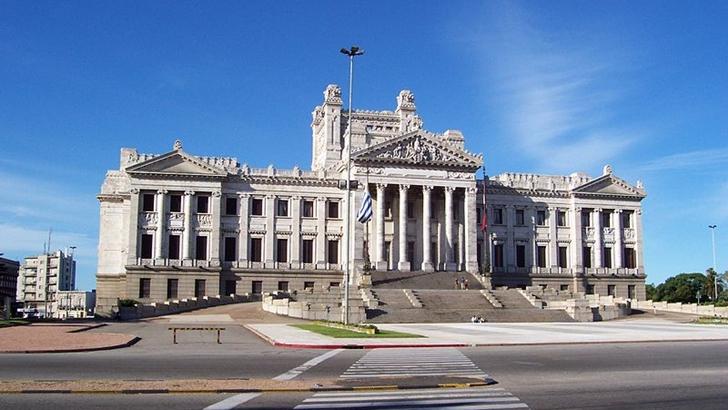 Oposición prepara desfile de ministros durante el verano por el Parlamento al inicio del año electoral