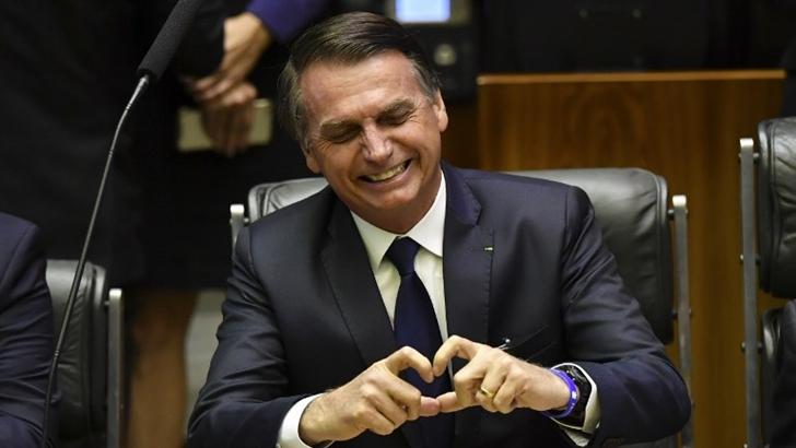 «Un país libre de amarras ideológicas»: Qué dejó la asunción de Jair Bolsonaro y qué indican sus primeras medidas como presidente de Brasil