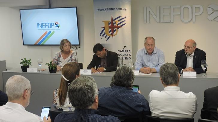 INEFOP y la Cámara de Turismo se unen para potenciar formación profesional en el sector