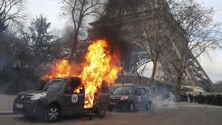 En Francia, queda un «núcleo duro» de los chalecos amarillos, «más ultra» y con «ideas de extrema derecha»