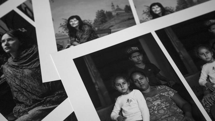 <em>Retratos. 12 mujeres extranjeras en Uruguay</em>, de Pablo La Rosa y Silvia Soler
