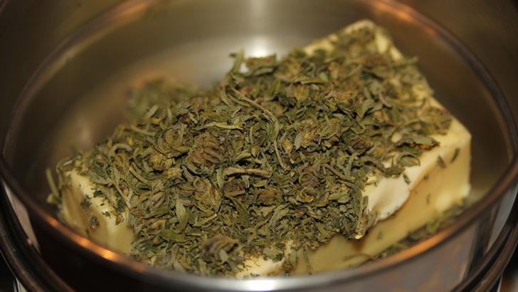"""Brownies con marihuana y otros comestibles """"mágicos"""": Riesgos y marco legal"""