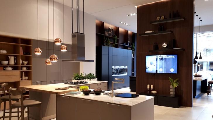 Revestimientos, baños y cocinas: Bosch & Cía renueva su clásico local y suma otro, enfrente