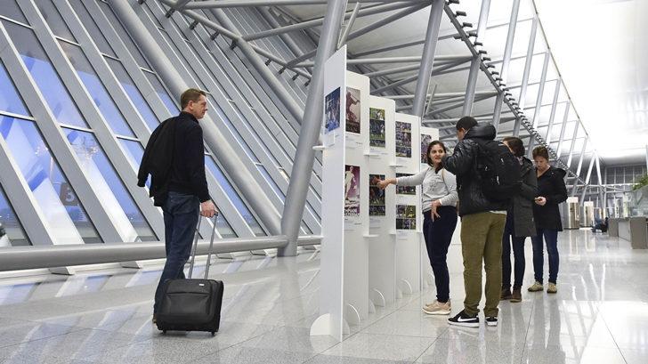 Aeropuerto de Carrasco y Scotiabank inauguraron muestra interactiva de la Copa América