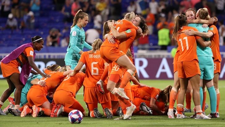 La previa de la final del Mundial de fútbol femenino (PDA T05P102)