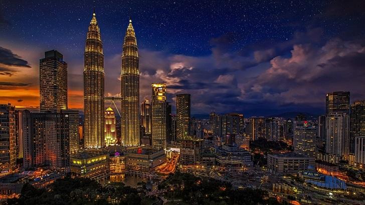 Malasia, un país que mezcla tres culturas (y donde las autoridades no matan 25 personas por día)