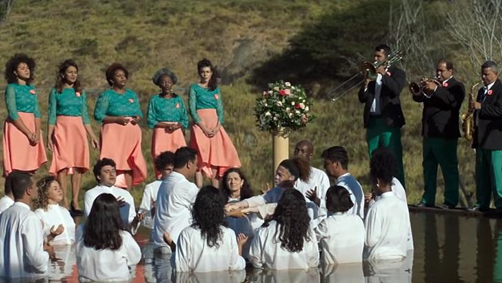 Eduardo Alvariza presenta <em>Divino Amor</em> y recomienda <em>En Cuerpo y Alma</em>