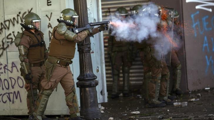 Chile en estado de emergencia por el peor estallido social desde el retorno de la democracia