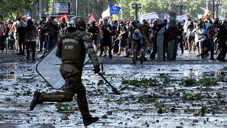 Situación en Chile: «Bajó el nivel del caos, pero preocupa mucho que se sostengan los niveles de represión»