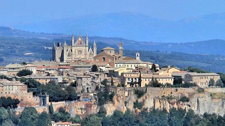 <em>Los ojos de la radio</em>: Crónica de un viaje a Italia