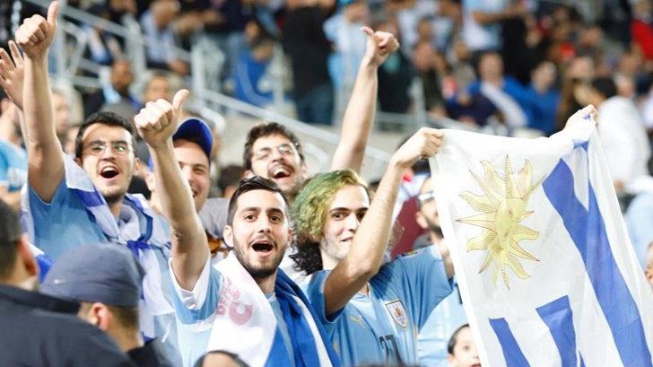 Contacto con José Apoj, desde Tel Aviv, con la previa del amistoso de Uruguay (T05P197)