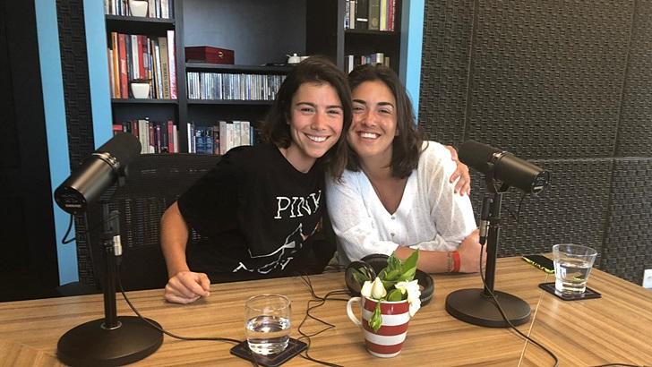 Entrevista a Elisa Etcheverry y Camila Piazza, jugadoras de hockey de Carrasco Polo (T05P208)