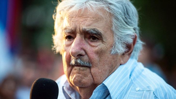 Mujica cuestionó al feminismo y recibió críticas desde el FA