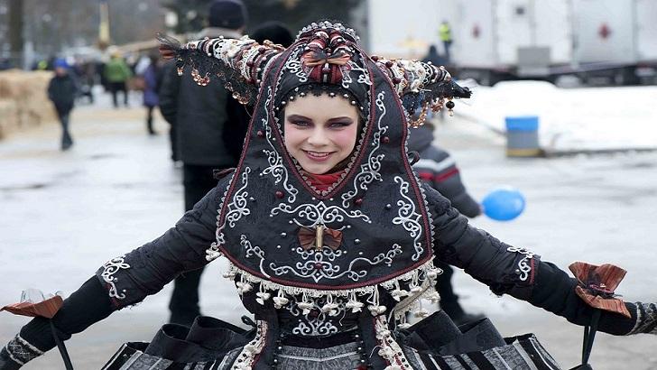 <em>La Hora Global.</em>Ucrania , los rusos y Felipe (T03P03)