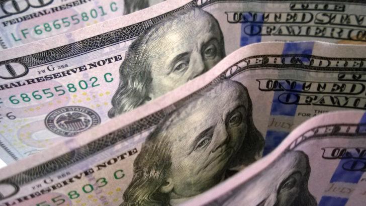 Análisis económico: ¿Cómo se explica la reciente baja de dólar?