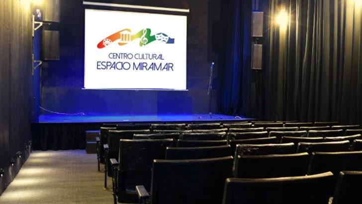 <em>Los ojos de la radio</em>: En Piriápolis, el ex cine Miramar fue remodelado para ser un centro cultural