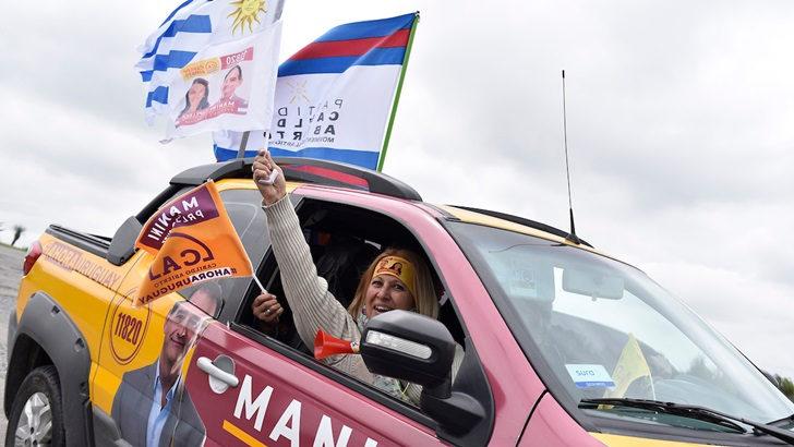 Cabildo Abierto prevé expulsar a seis convencionales: «Hay ciertos personalismos que sobrepasan lo que debe ser el trabajo de un partido», dice su vicepresidente Raúl Lozano