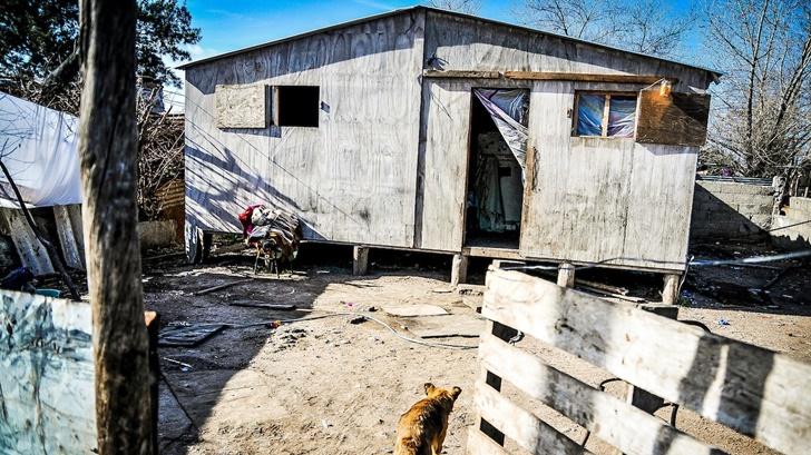 La cuarentena en barrios de contexto crítico: ¿Qué pasa con quienes no cuentan con una vivienda preparada para un aislamiento prolongado?