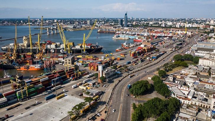 Montecon: «Obviamente» evaluamos iniciar un litigio porque el Estado «le regala el 100% del mercado» de contenedores en Montevideo a Katoen Natie