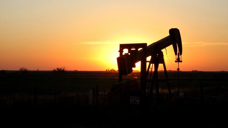 Fuertes vaivenes en el mercado internacional del petróleo