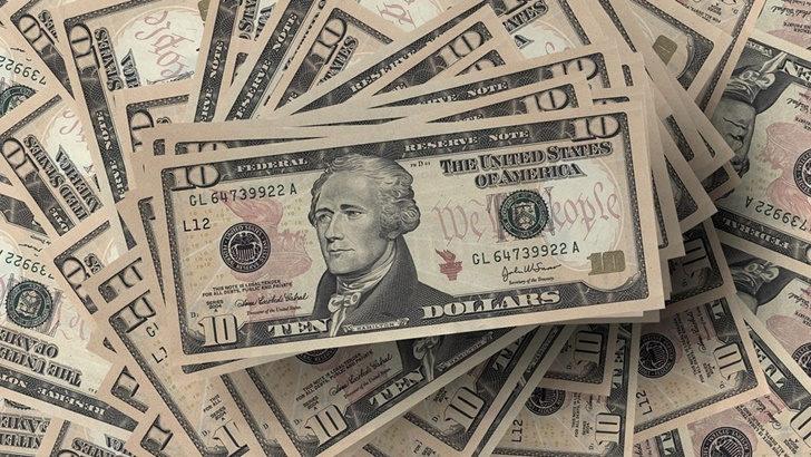 Fuerte caída del dólar en las últimas semanas: ¿Cómo se explica y cómo impacta en Uruguay?