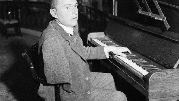 El Franz Liszt de los pianistas mancos (Canción de la Noche T01P05)