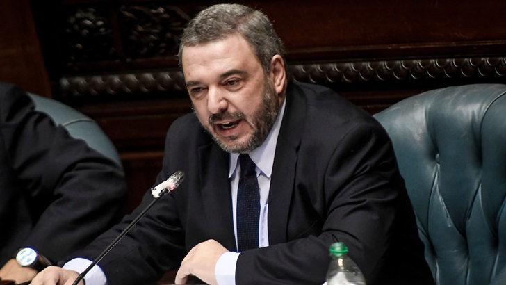 Mario Bergara: «El clima en la comisión de la LUC ha sido bueno», pero «eso no quita que sea un cambio permanente en el contenido de los artículos, hace muy difícil el trabajo»
