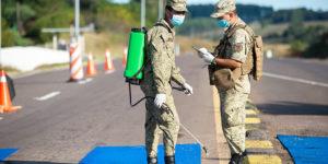 ¿Es apropiado que las Fuerzas Armadas desempeñen roles de asistencia social sistemáticamente?