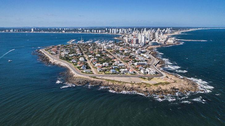 La industria turística uruguaya con miras al futuro: La situación en Colonia, en el corredor termal y en Punta del Este