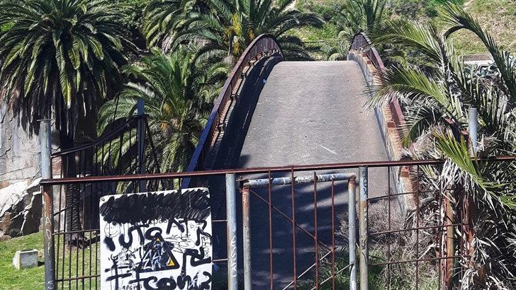 El puente sobre las canteras del Parque Rodó: «Un ícono hecho adefesio»