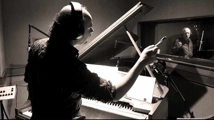 <em>La Conversación</em>: Con Gustavo Casenave, músico y compositor ganador del Grammy Latino