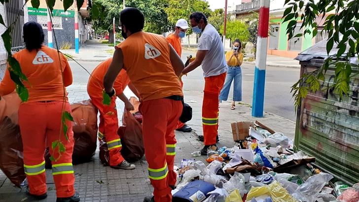 <em>Los ojos de la radio</em>: Desborde de basura en Montevideo se nota en calles menos importantes