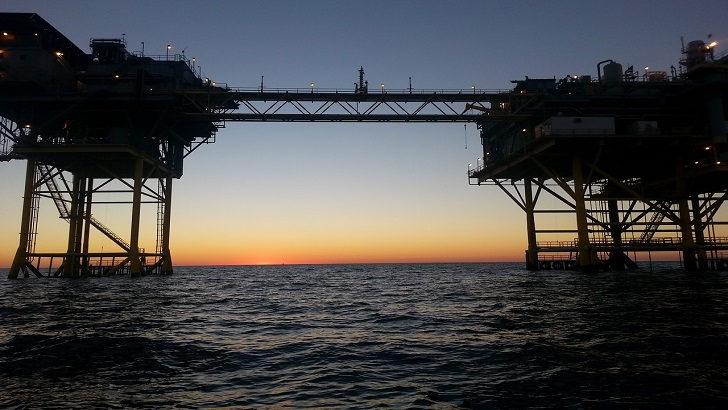 <em>La Hora Global:</em> Gas Natural en Mar Muerto, el confinamiento y las piedras de Obama (T02P37)