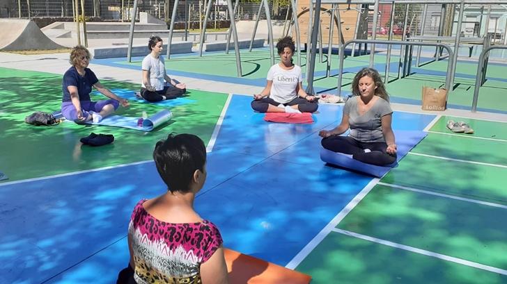 <em>Los ojos de la radio</em>: Comenzaron hoy las sesiones de yoga en el Parque de la Amistad