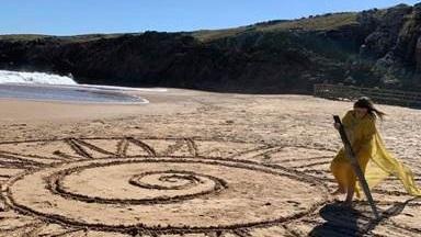 Hospital Británico apela a la creatividad para mantener distancia en las playas