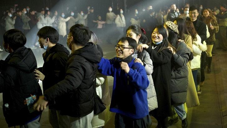 ¿Es cierto que un estudio en China descubrió que los pacientes asintomáticos de covid-19 no contagian?