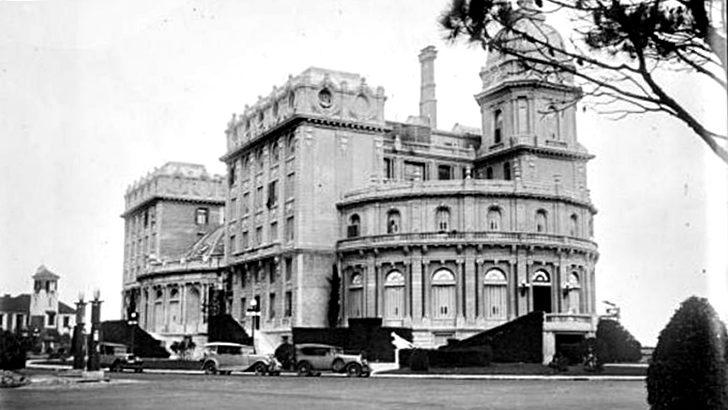 <em>Los ojos de la radio</em>: El Hotel Carrasco cumple 100 años