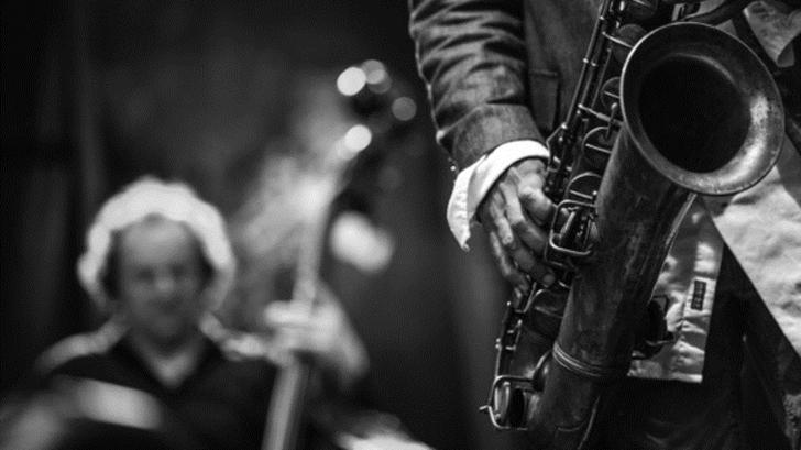 <em>La Conversación</em>: Sobre el espectáculo musical «Jazz y la luna»