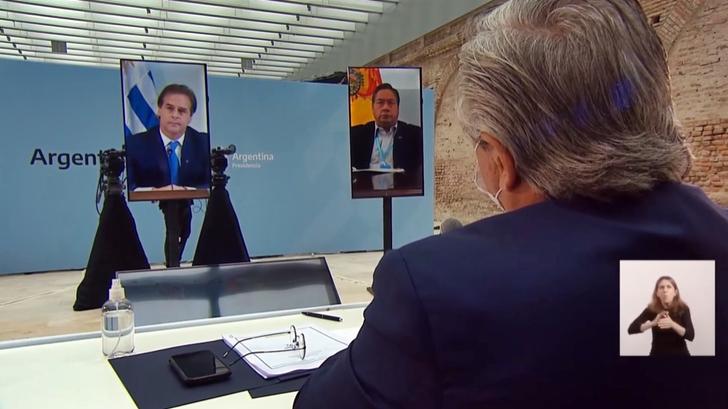 """Lacalle Pou y Alberto Fernández chocan por la """"flexibilización"""" del Mercosur"""