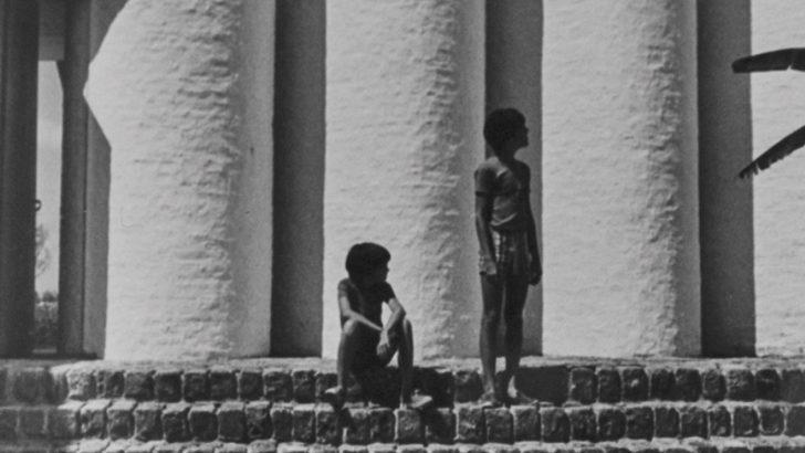 <em>Los ojos de la radio</em>: Exposición virtual del CCE «El universo curvo de Samuel Flores»