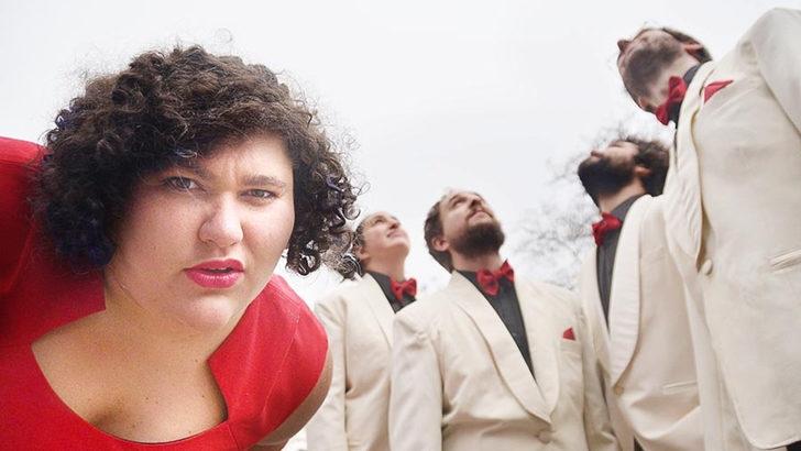Juana y los Heladeros del Tango rompe los estereotipos del tango con mucho humor