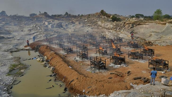 India, nuevo epicentro de la pandemia: ¿Cómo se enmarca esta situación en una realidad con tantos problemas sanitarios, sociales y políticos?