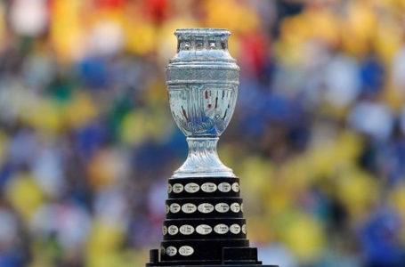 CAF2690. RÍO DE JANEIRO (BRASIL), 07/07/2019.- Fotografía del trofeo de la Copa América durante el partido Brasil-Perú final de la Copa América de Fútbol 2019, en el Estadio Maracanã de Río de Janeiro, Brasil, hoy 7 de julio de 2019. EFE/Antonio Lacerda