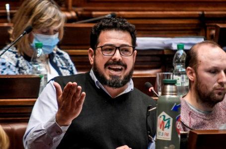 20201011/ Javier Calvelo – adhocFOTOS/ URUGUAY/ MONTEVIDEO/ Palacio Legislativo/ Plenario Diputados afin de votar la Ley de presupuesto quinquenal En la foto:  Alejandro Sanchez en plenario durante la votacion del presupuesto 2020 – 2025 en Cámara de Diputados del Palacio Legislativo en Montevideo. Foto: Javier Calvelo / adhocFOTOS