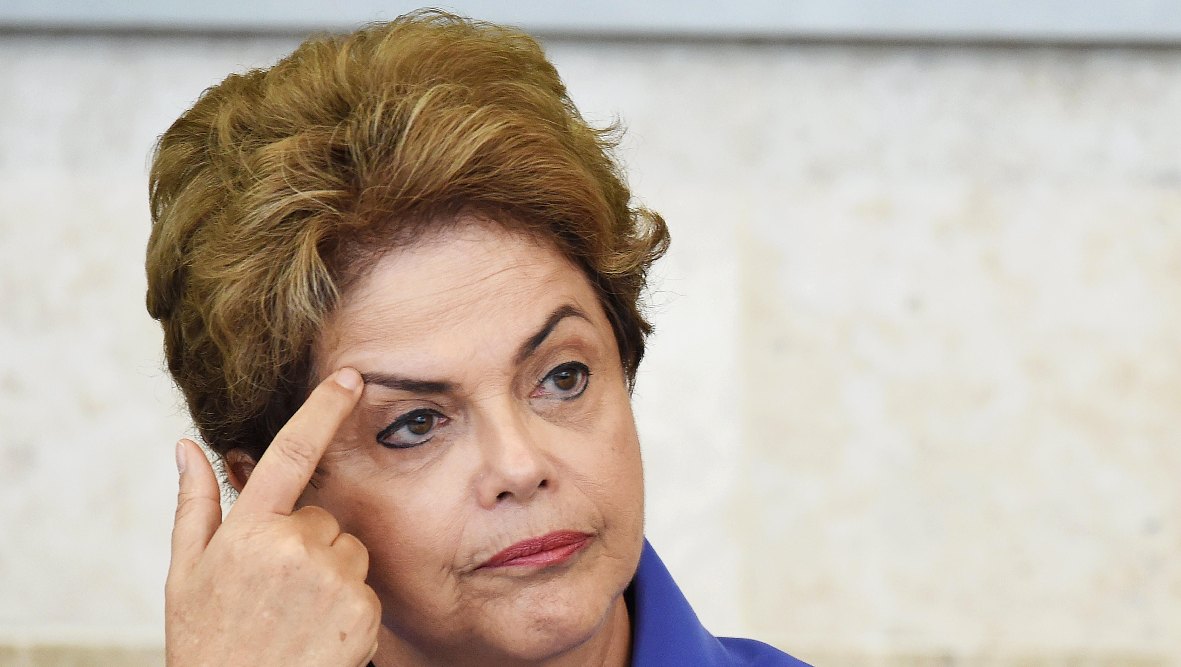Análisis internacional: Brasil y su triple crisis