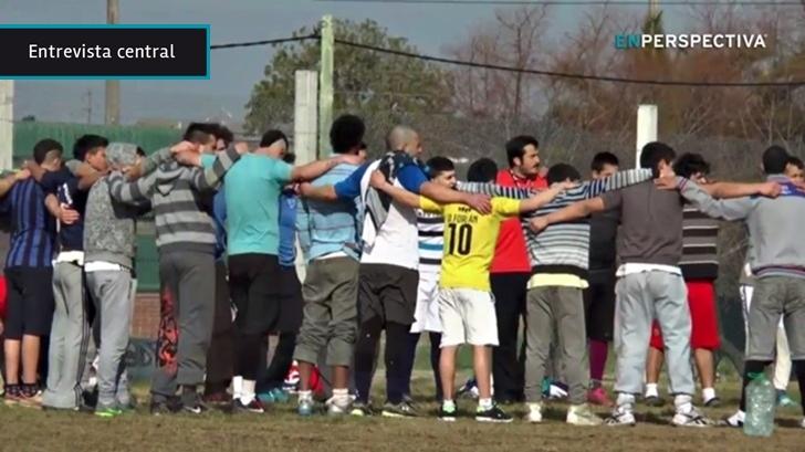 El rugby, un deporte con las reglas muy marcadas y el trabajo en equipo como prioridad, se expande en centros educativos, llega a barrios carenciados y al Comcar