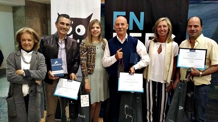 Entrega de premios a los ganadores de los «cuentos con humor»