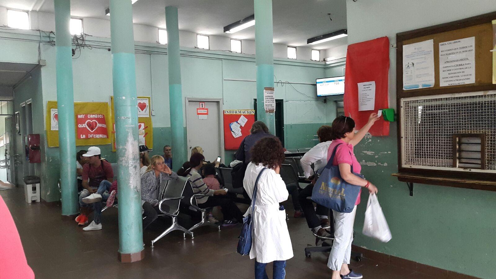 Pediatras del Centro de Salud del Cerro incentivan la lectura en sus pacientes
