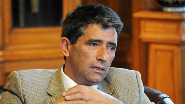 Consecuencias de la corrupción en política: El caso español y el uruguayo